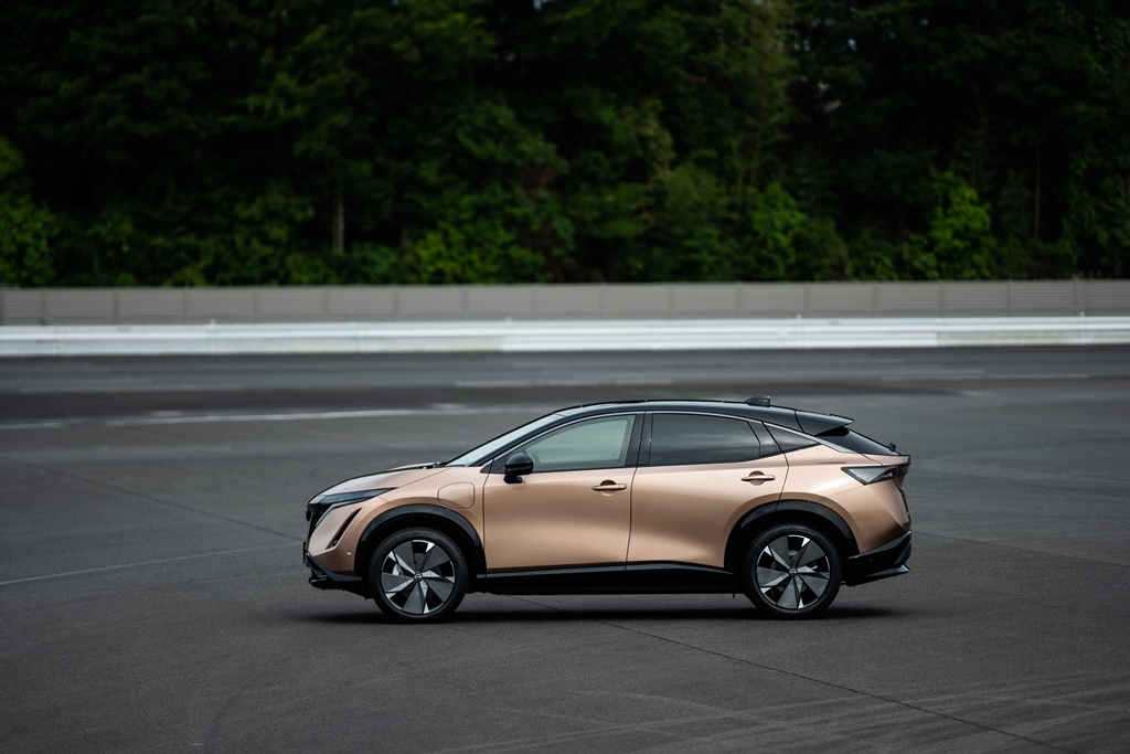 Nissan-Ariya-exterior-side_2