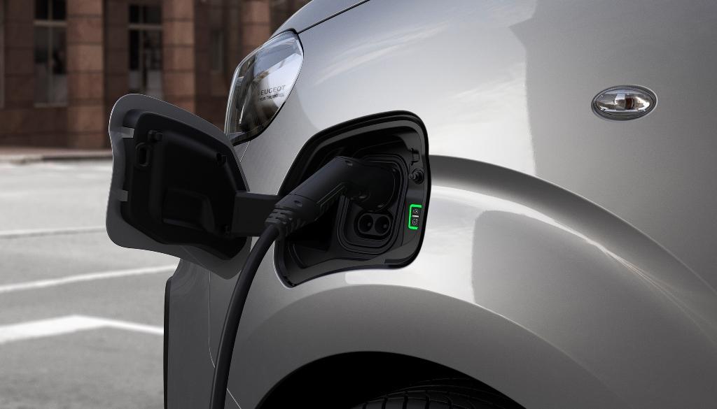 nuovo_peugeot_e-expert_next_gen_van_electric_motor_news_06