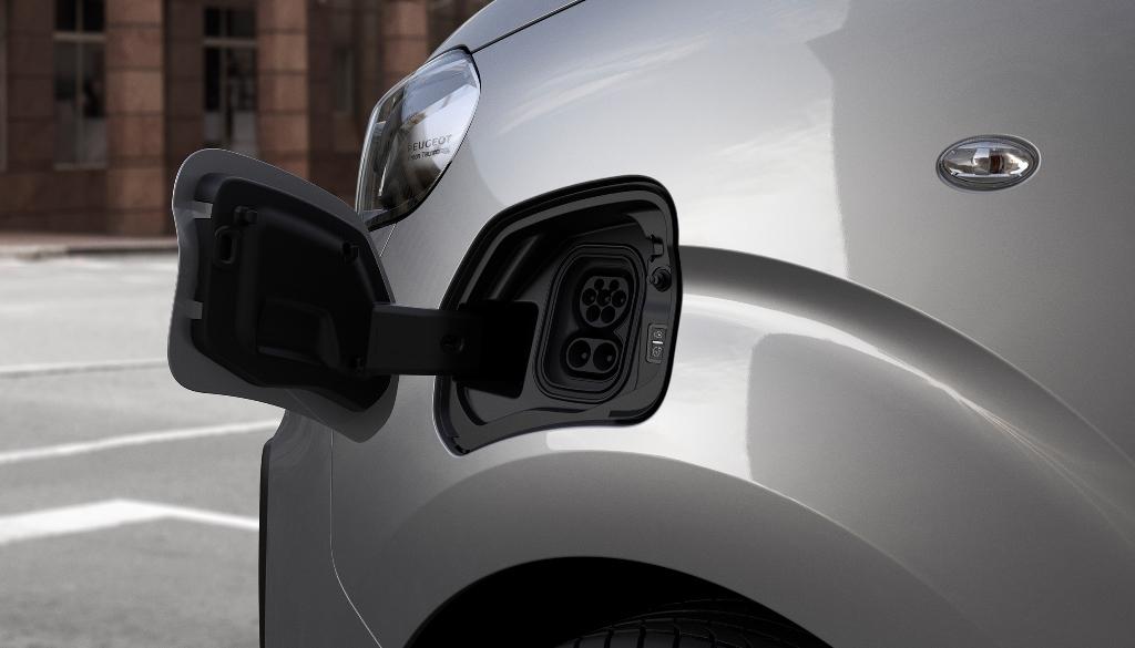 nuovo_peugeot_e-expert_next_gen_van_electric_motor_news_19