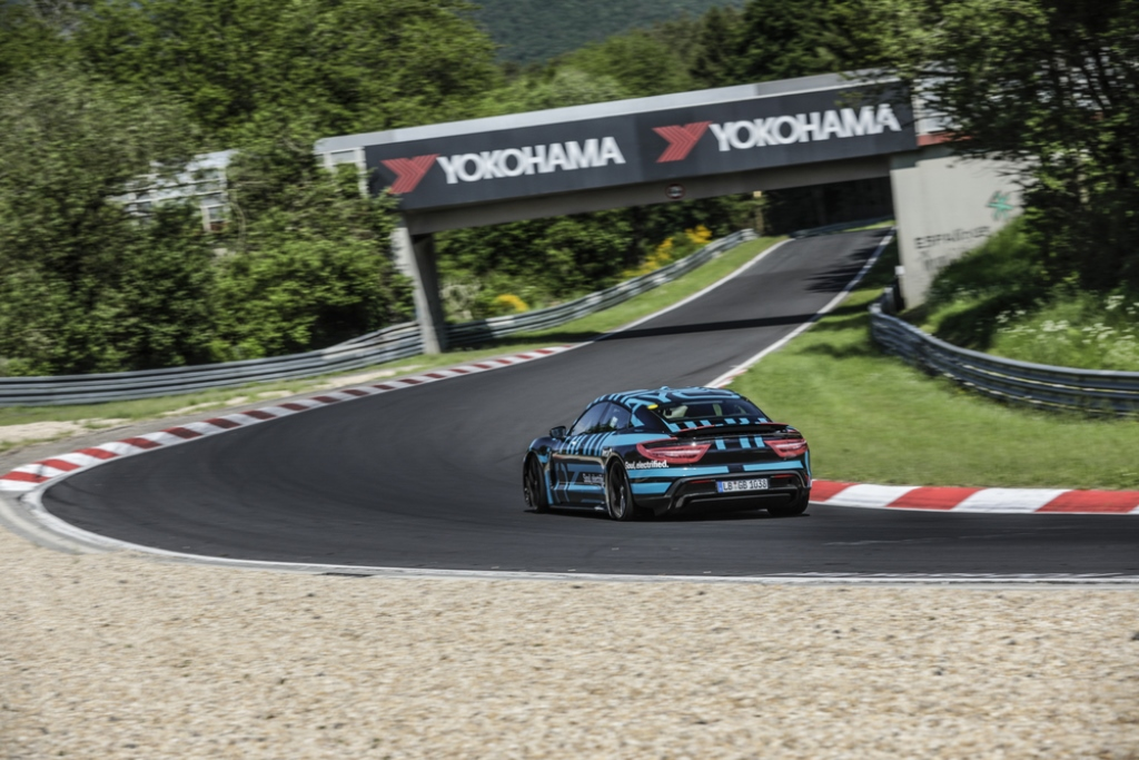 porsche_taycan_nurburgring_electric_motor_news_02