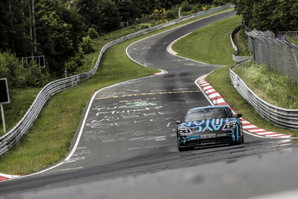 porsche_taycan_nurburgring_electric_motor_news_03