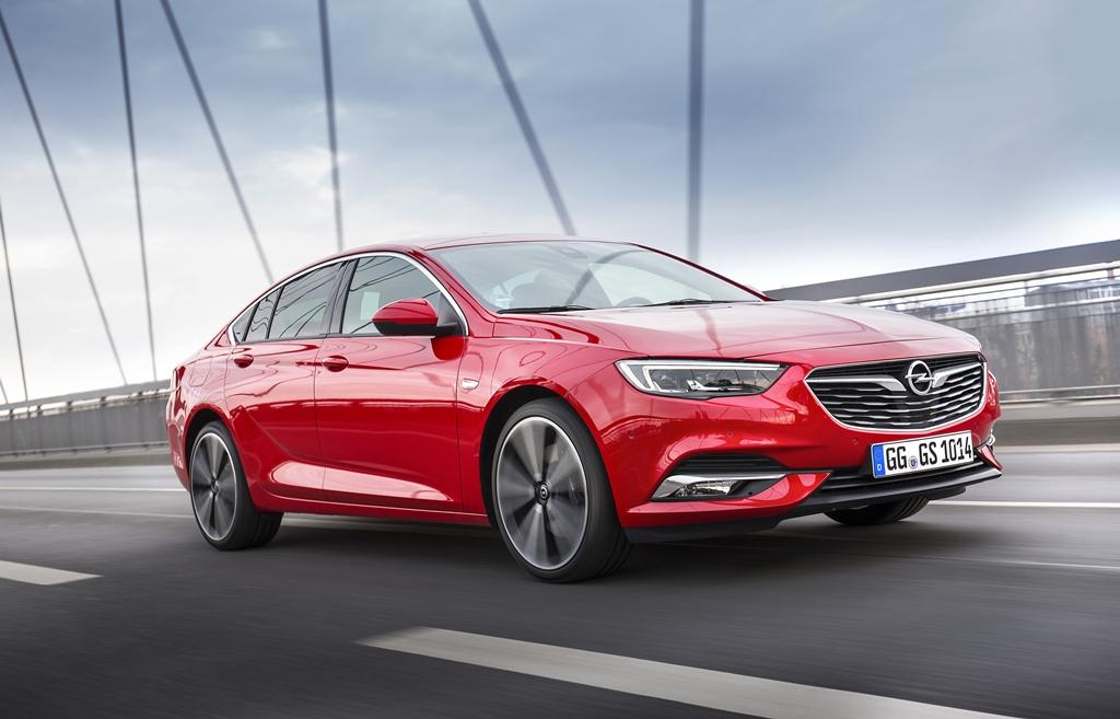 Opel-Insignia-Grand-Sport-305533_3