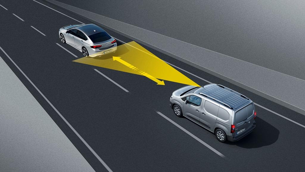 Opel-Combo-Cargo-Distance-Control-504544_0