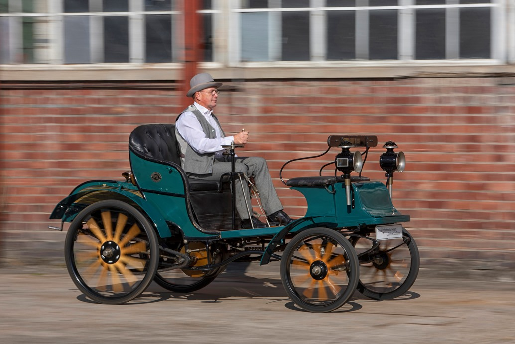 1 _ 1899-Opel-Patentmotorwagen-504969_0