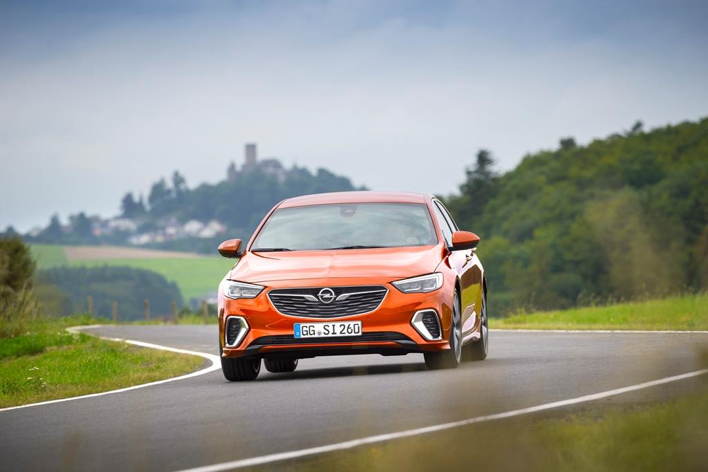 Opel-Insignia-GSi-500435