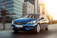 Opel-Astra-Sports-Tourer-507800_2