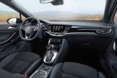 en_Opel-Astra-Interior-507809