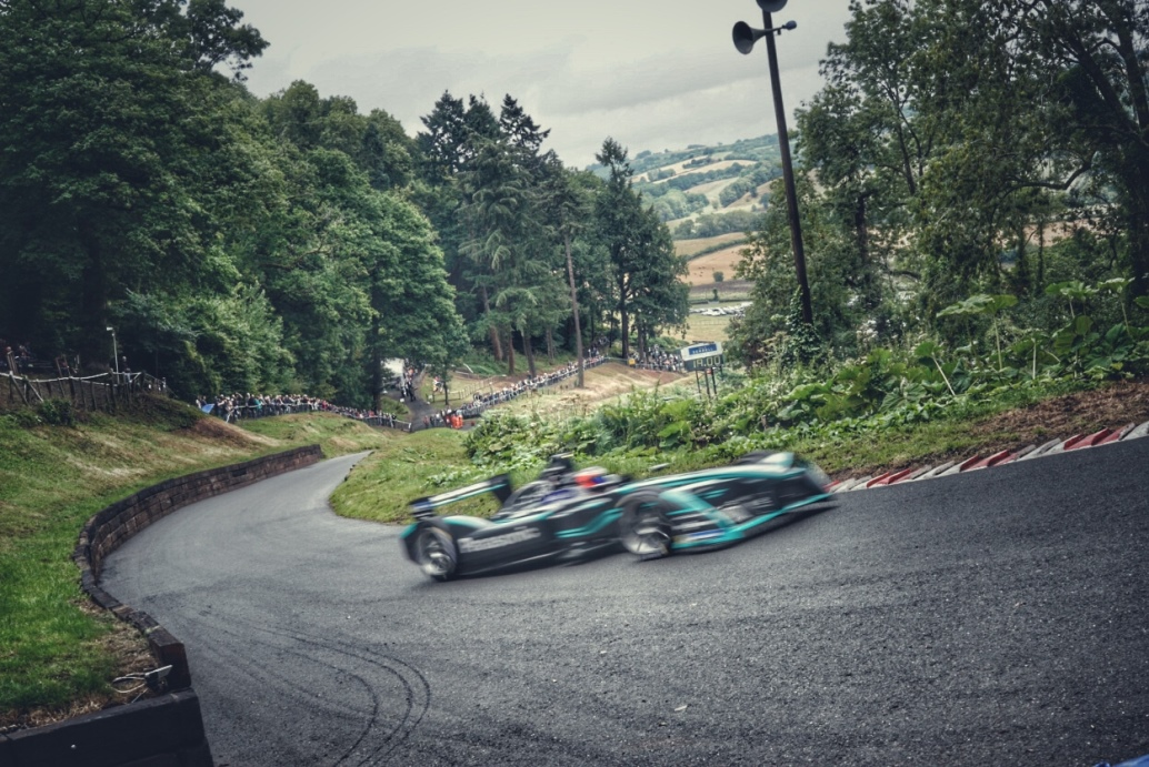 GKN_Driveline_Panasonic_Jaguar_Racing_Shelsley Walsh_electric_motor_news_01