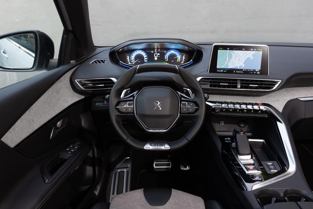 PEUGEOT-SUV-3008-HYBRID4-IBRIDO-PLUG-IN-10