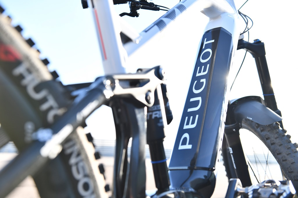 Peugeot_Cycles Team_eM02_FS_002