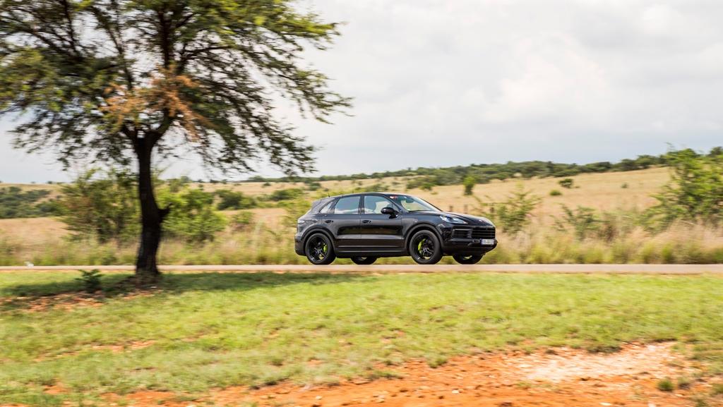 porsche_cayenne_e_hybrid_south_africa_2018_electric_motor_news_08