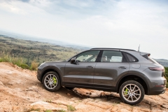 porsche_cayenne_e_hybrid_south_africa_2018_electric_motor_news_01