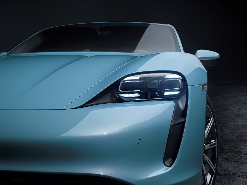 porsche_taycan_4s_electric_motor_news_06
