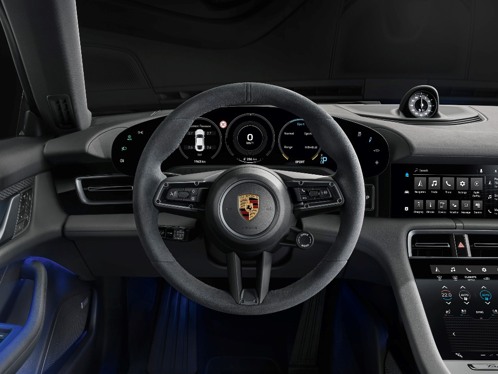 porsche_taycan_4s_electric_motor_news_09