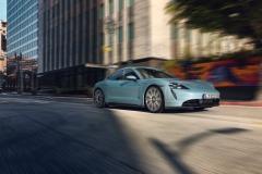porsche_taycan_4s_electric_motor_news_03