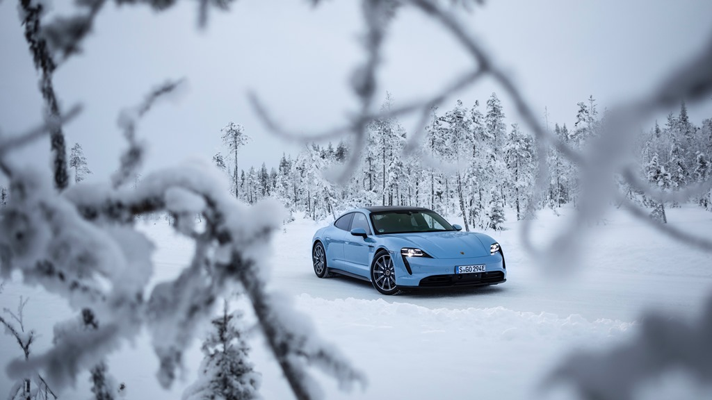 porsche_tycan_on_ice_electric_motor_news_04