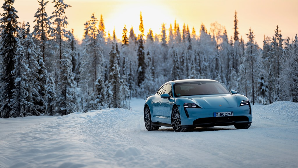 porsche_tycan_on_ice_electric_motor_news_08