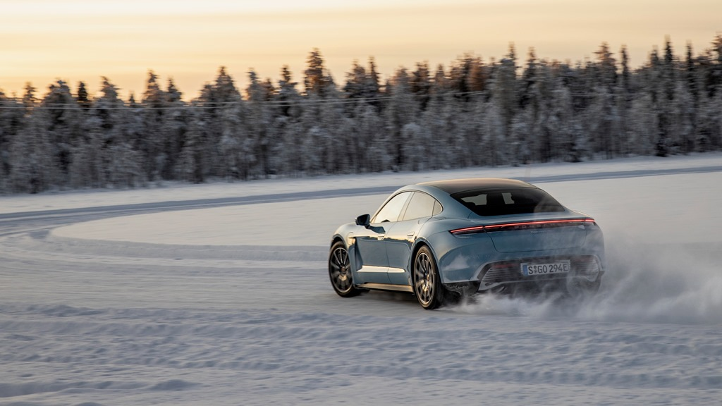 porsche_tycan_on_ice_electric_motor_news_10