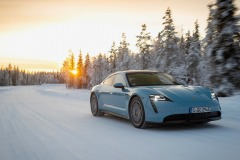 porsche_tycan_on_ice_electric_motor_news_03