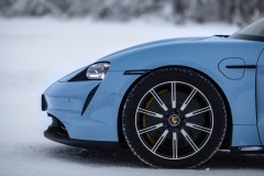 porsche_tycan_on_ice_electric_motor_news_09