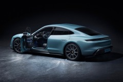 porsche_tycan_on_ice_electric_motor_news_18