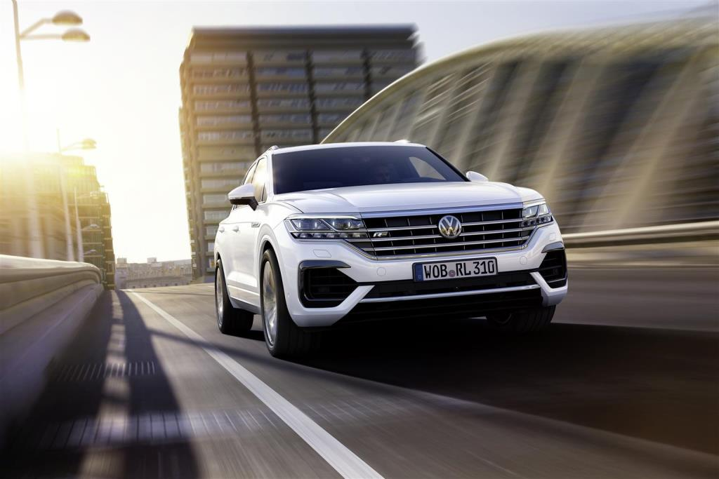 nuova_volkswagen_touareg_electric_motor_news_10
