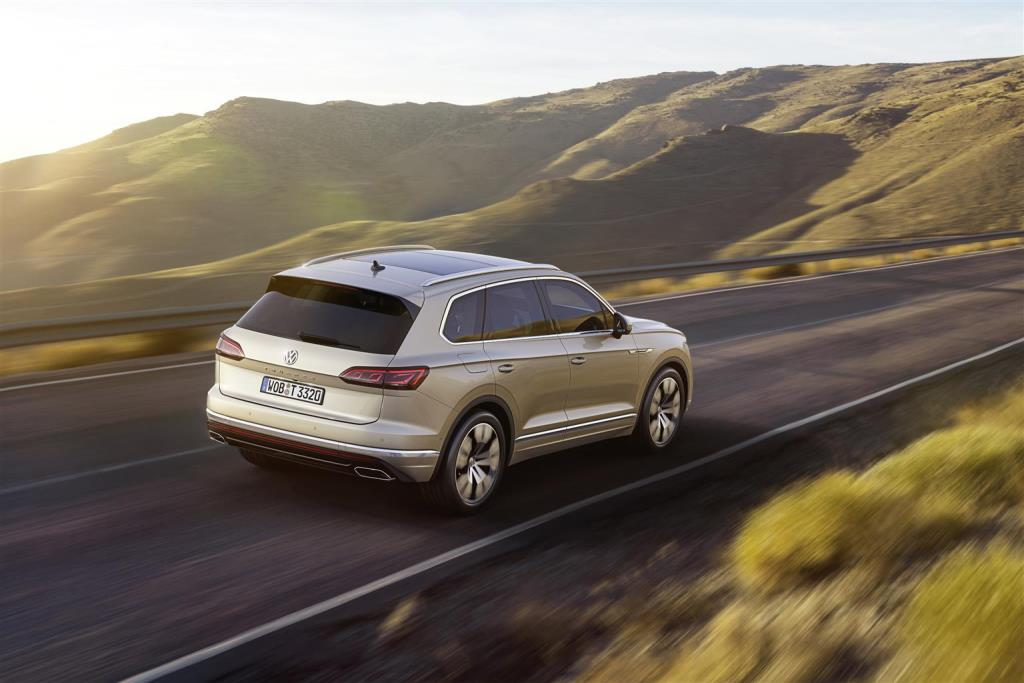 nuova_volkswagen_touareg_electric_motor_news_23