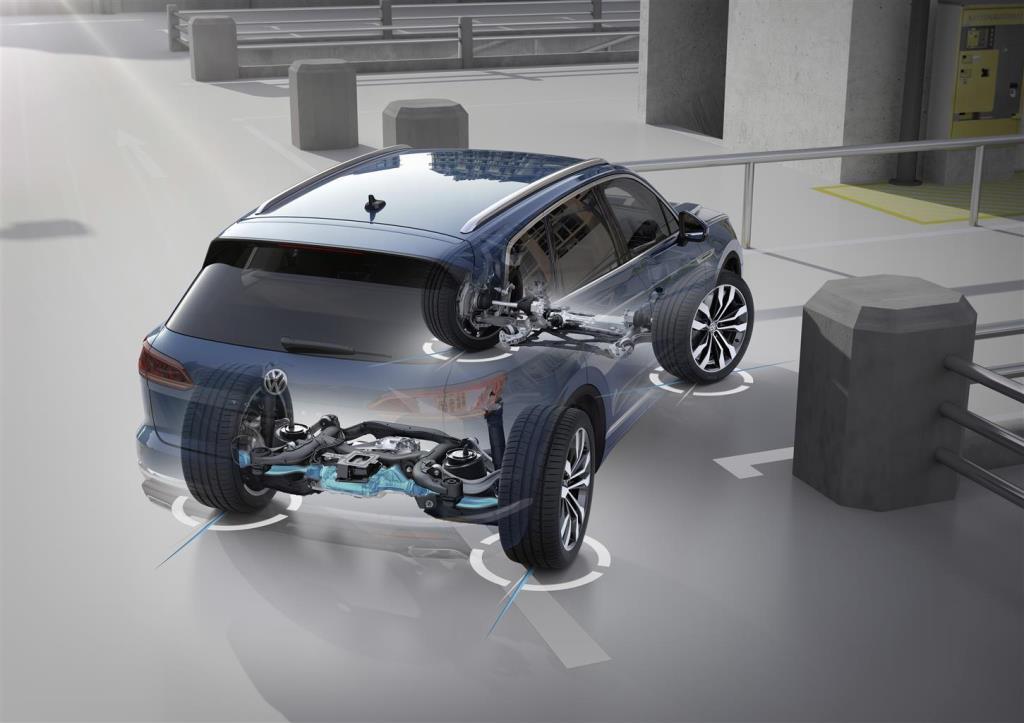 nuova_volkswagen_touareg_electric_motor_news_28