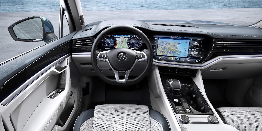 nuova_volkswagen_touareg_electric_motor_news_51