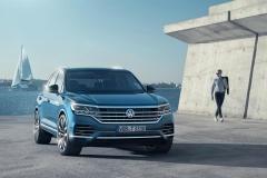 nuova_volkswagen_touareg_electric_motor_news_03