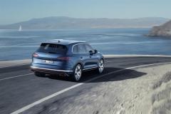 nuova_volkswagen_touareg_electric_motor_news_06
