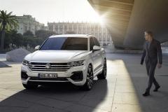 nuova_volkswagen_touareg_electric_motor_news_07