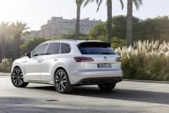 nuova_volkswagen_touareg_electric_motor_news_08