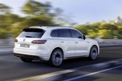 nuova_volkswagen_touareg_electric_motor_news_11