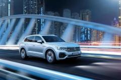 nuova_volkswagen_touareg_electric_motor_news_12