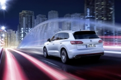 nuova_volkswagen_touareg_electric_motor_news_13