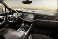 nuova_volkswagen_touareg_electric_motor_news_48