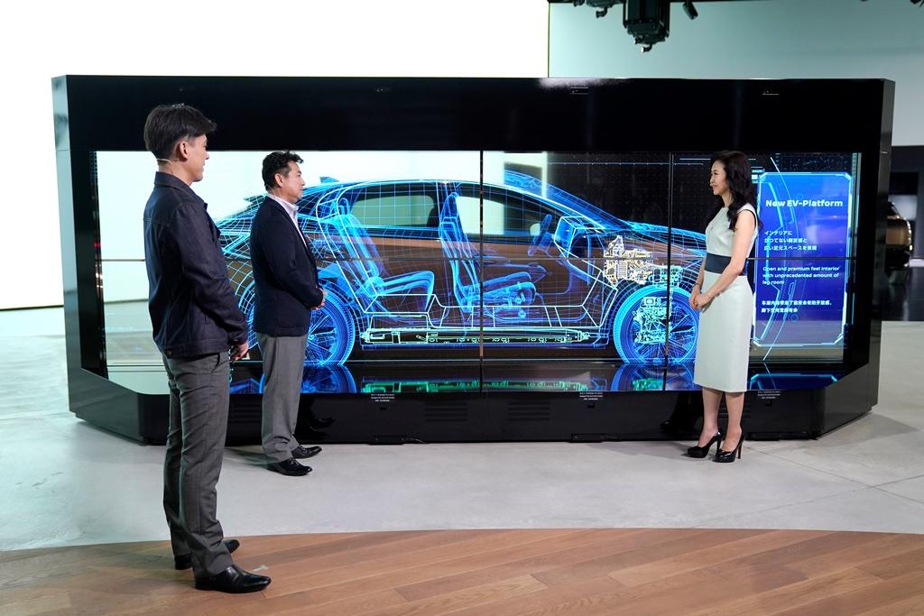 Nissan-Ariya_Digital-World-Premiere_Act-4_Action-Scene_006