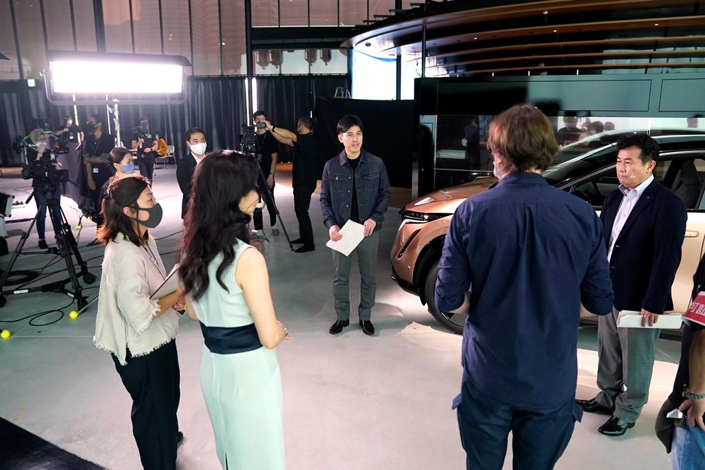 Nissan-Ariya_Digital-World-Premiere_Act-4_Behind-Scene_024