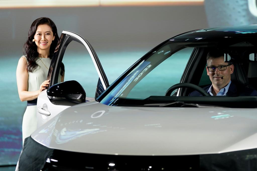 Nissan-Ariya_Digital-World-Premiere_Act-5_Action-Scene_027