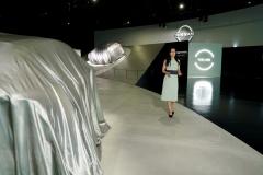 Nissan-Ariya_Digital-World-Premiere_CSS-Miho_Action-Scene_006