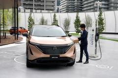 Nissan-Ariya_Digital-World-Premiere_Charging-Scene_Action-Scene_004
