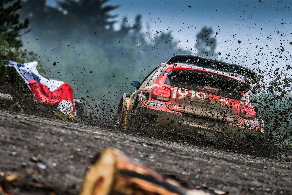 Citroe¦ên-determinata-ad-attaccare-al-Rally-di-Gran-Bretagna-3