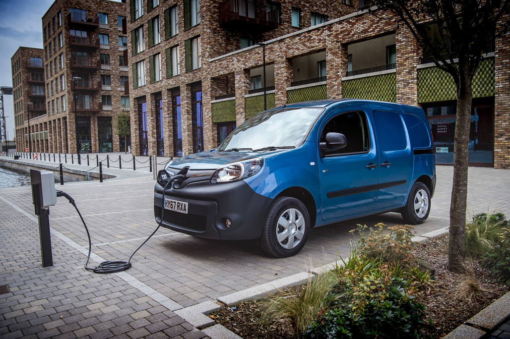 01_EMBARGO-Renault-Kangoo-Z.E. wins the first award