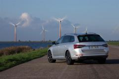 skoda_superb_iV_combi_electric_motor_news_03