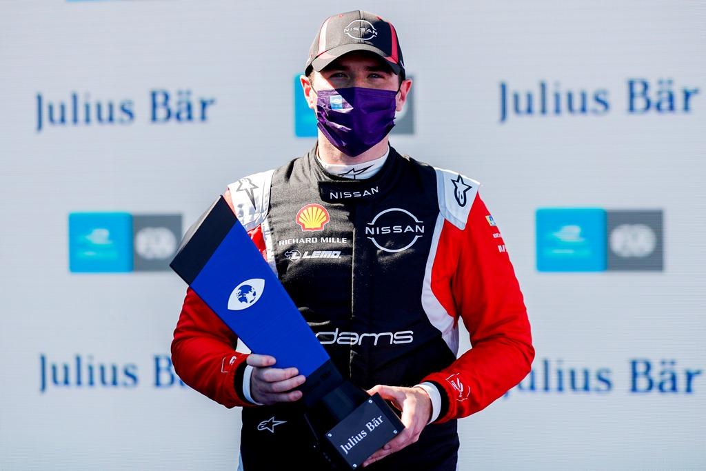 Oliver Rowland (GBR), Nissan e.Dams, with pole position award