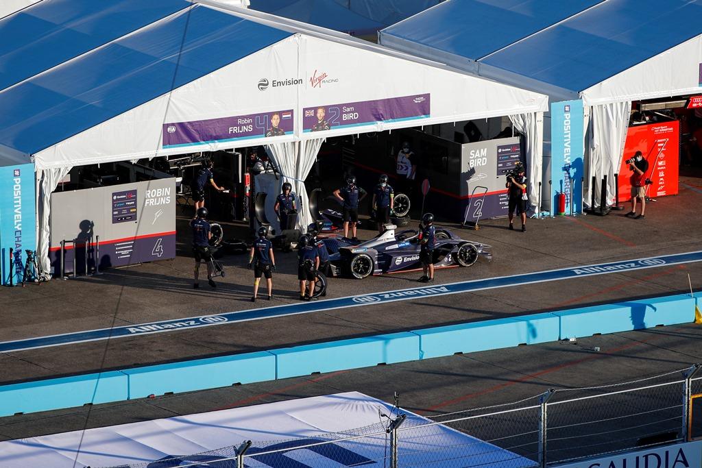 Sam Bird (GBR), Envision Virgin Racing, Audi e-tron FE06 in the pits
