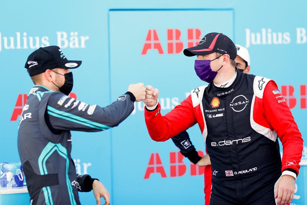 Tom Blomqvist (GBR), Panasonic Jaguar Racing and Oliver Rowland (GBR), Nissan e.Dams fist bump