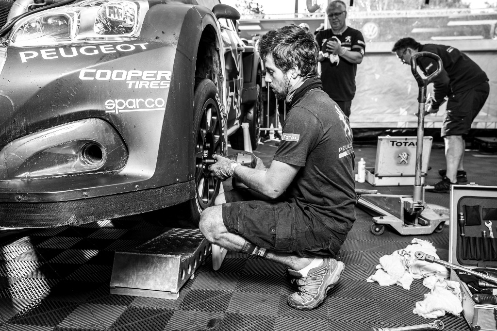 Mechanic works on the Peugeot 208 WRX during the FIA World RallyCross Championship in Loheac, France on September 2, 2018 // Flavien Duhamel/Red Bull Content Pool // AP-1WSDWNJCH2111 // Usage for editorial use only // Please go to www.redbullcontentpool.com for further information. //