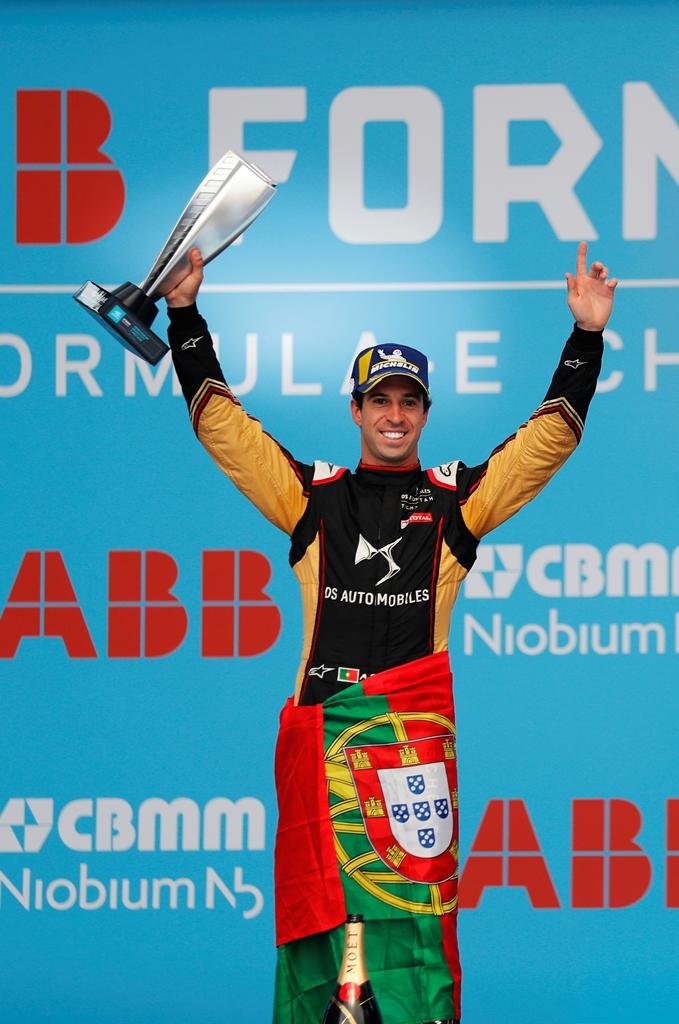 Antonio Felix da Costa (PRT), DS Techeetah holds up his trophy on the podium